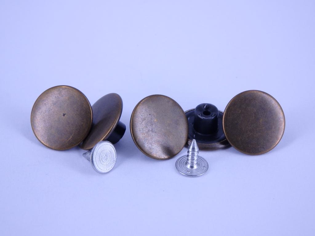 guzik 17mm nierdzewny GŁADKI stopka plastik